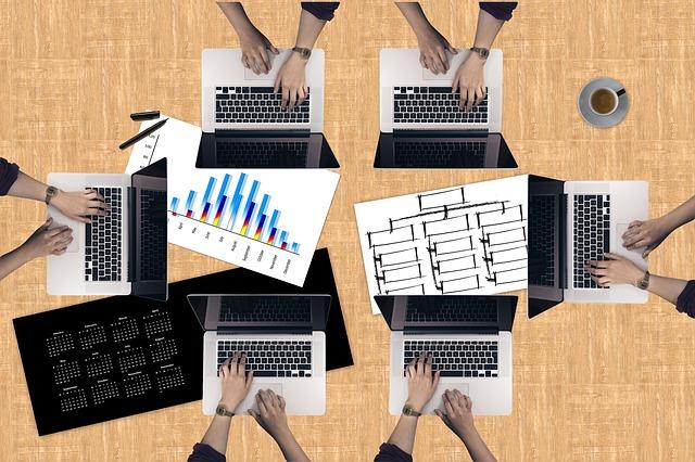 テレアポでCTIシステムやツールを利用した営業支援