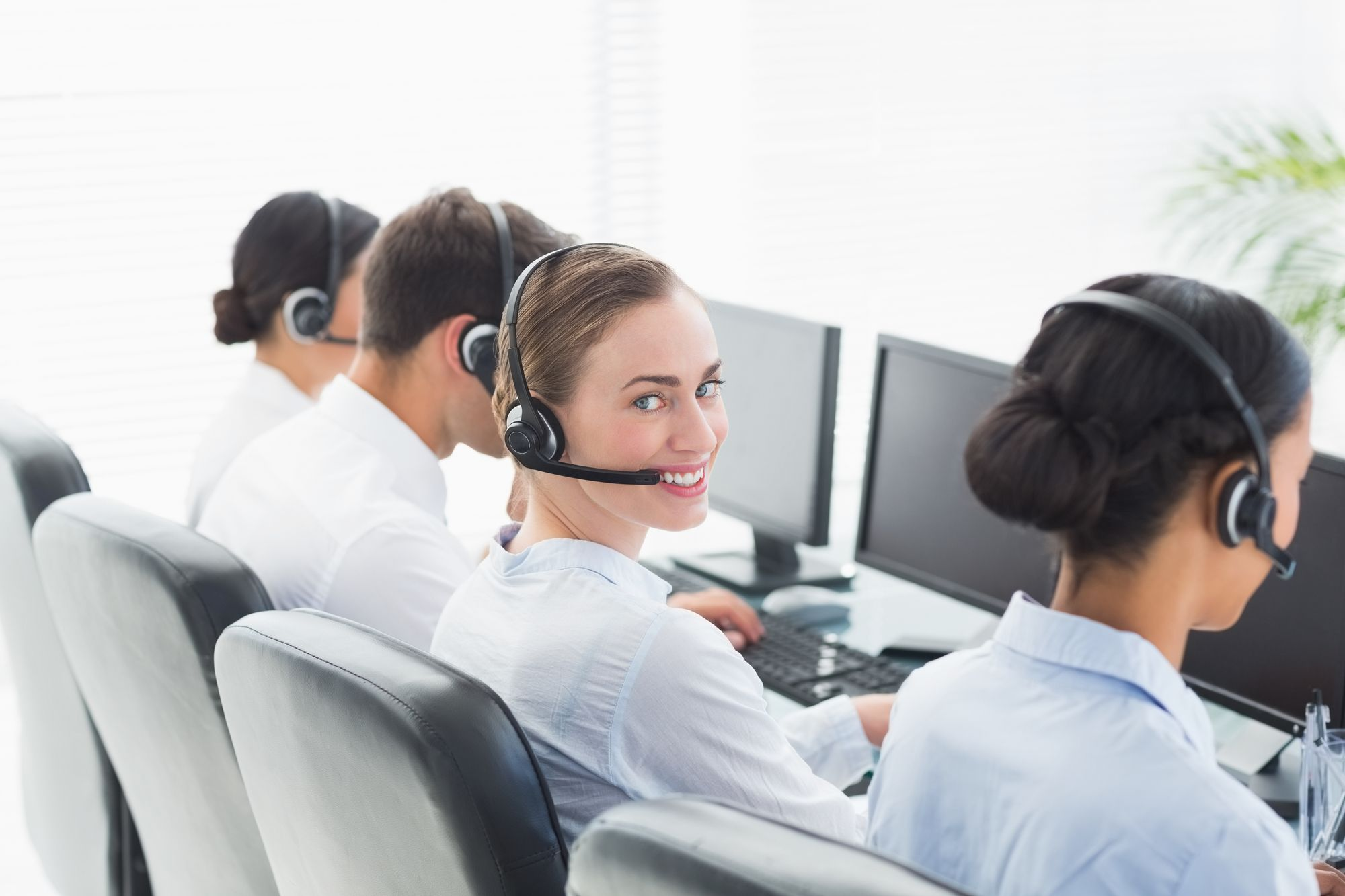 コールセンターの構築と立ち上げの手順とは?